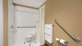 Microtel Inn And Suites Timmins photos Room