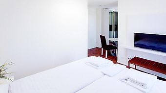 Suite Apartments By Livingdowntown photos Room