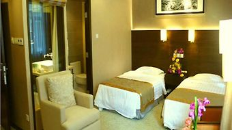 Jianguo Hotspring Hotel photos Room
