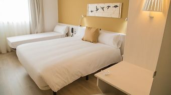 B&B Hotel Viladecans photos Room