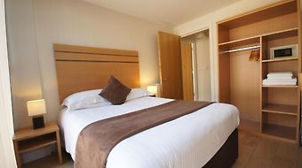 Crompton Court Serviced Apartments photos Room