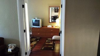 Days Inn Cocoa Cruiseport West At I-95/524 photos Room