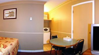 Econo Lodge Inn & Suites photos Room