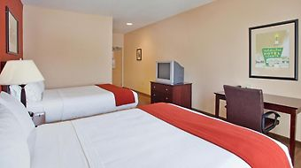 Holiday Inn Express & Suites East Wichita I-35 Andover photos Room