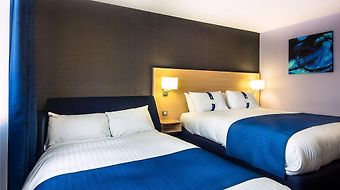 Holiday Inn Express Manchester Airport photos Room