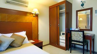 Mookai Hotel & Service Flats Pvt. Ltd photos Room