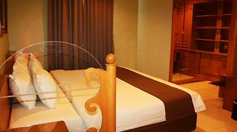 Travellers Suites Medan photos Room