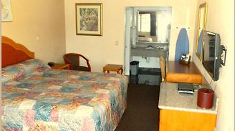 Americas Best Value Inn Corona photos Room