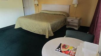 Americas Best Value Inn & Suites At The Park photos Room