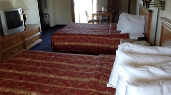 Days Inn Mackinaw City - Lakeview photos Room