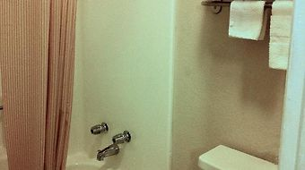 Days Inn Bastrop photos Room