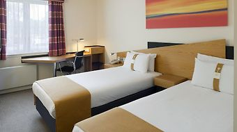 Holiday Inn Express Strathclyde Park M74 Jct.5 photos Room