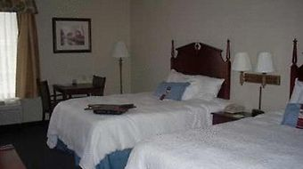 Hampton Inn Buckhannon photos Room
