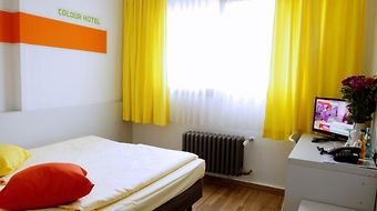Colour Hotel photos Room