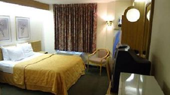Howard Johnson Lincoln photos Room