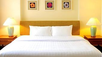Pantip Suites Sathorn Hotel photos Room