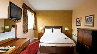 The Bell Hotel Woburn photos Room