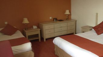 Huntly Arms Hotel photos Room