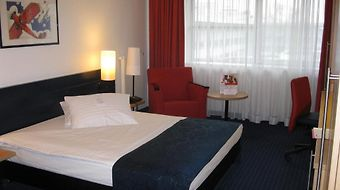 Intercity Hotel Frankfurt photos Room
