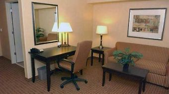 Hampton Inn Miami photos Room