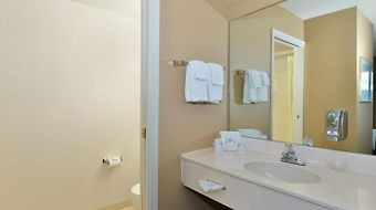 Americas Best Value Inn Kalispell photos Room