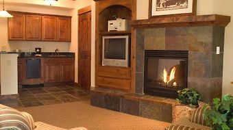 Lodge At Whitefish Lake photos Room