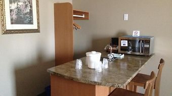 Petawawa River Inn And Suites photos Room
