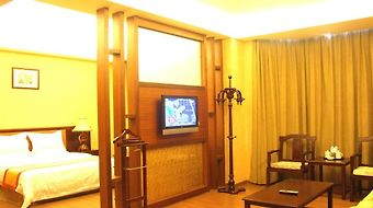 Wealth Airport Hotel photos Room