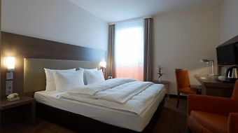 Intercityhotel Berlin-Brandenburg Airport photos Room