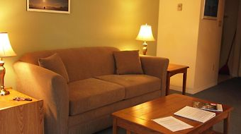Whale'S Tail Guest Suites photos Room