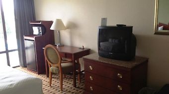 Days Inn Fayetteville-South/I-95 Exit 49 photos Room