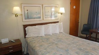 Americas Best Value Inn Port Clinton photos Room