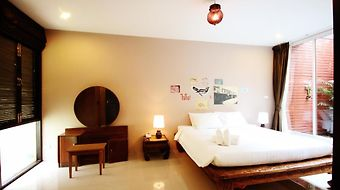 Feung Nakorn Balcony Rooms And Cafe photos Room