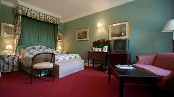 Corse Lawn House Hotel photos Room