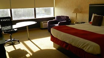 Howard Johnson Plaza Kansas City Hotel And Conference Center photos Room