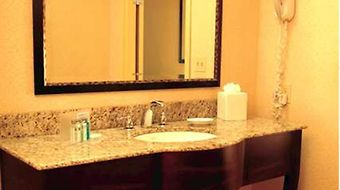 Hampton Inn Suites Prattville photos Room