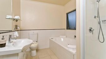 Ballinor Motor Inn photos Room