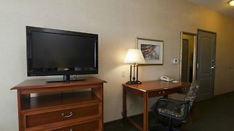 Holiday Inn & Suites West photos Room