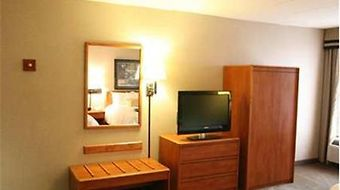 Hampton Inn Columbus/Taylorsville/Edinburgh photos Room