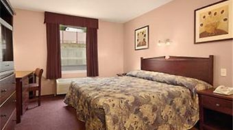 Super 8 Lake Country/Winfield Area photos Room