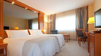Tryp Apolo photos Room