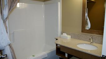 Best Western Plus Camrose Resort & Casino photos Room