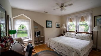 The Stonewall Jackson Inn Bed & Breakfast photos Room