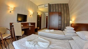 Hotel Arkas Proszkow Opole photos Room