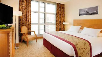Anwar Al Madinah Moevenpick Hotel photos Room
