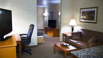 Holiday Inn Express I-90 Exit 11 photos Room Suite