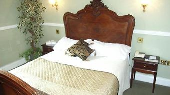 Crown And Cushion Hotel photos Room