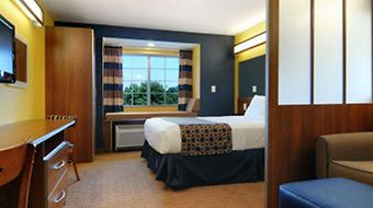 Microtel Inn & Suites By Wyndham Chili/Rochester Airport photos Room