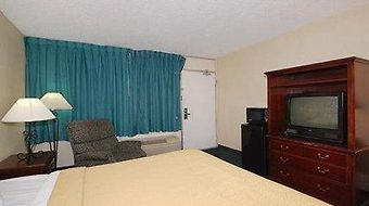 Econo Lodge Southwest photos Room