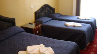 Rose Court Marble Arch photos Room
